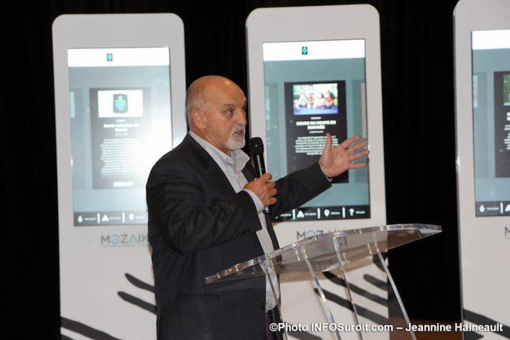 Guy_Pilon maire vaudreuil-Dorion lancement Je_suis_Mozaik photo JH INFOSuroit