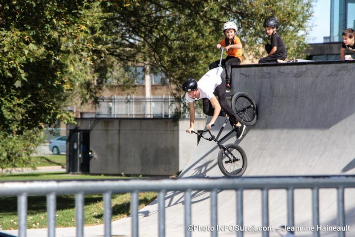 bmx demonstration nouveau skatepark Chateauguay sept2019 photo JH INFOSuroit
