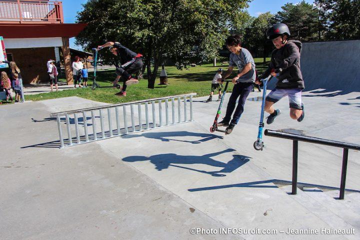 demonstration des jeunes au nouveau skatepark de Chateauguay sept2019 photo JH INFOSuroit