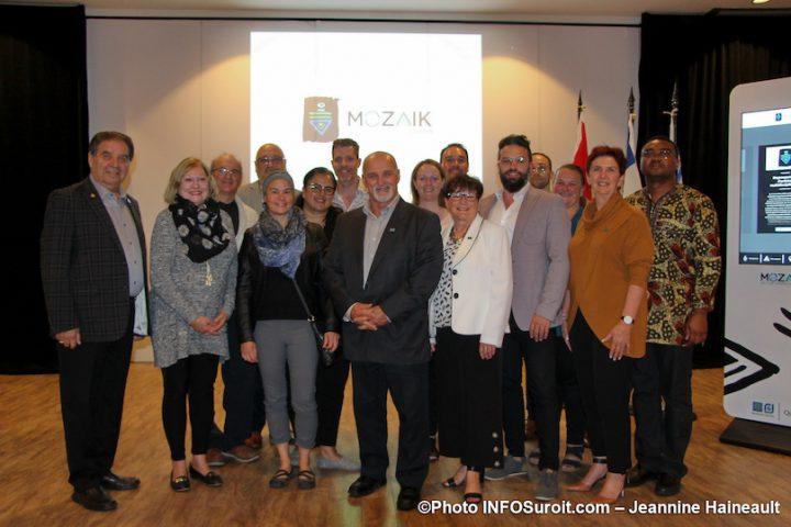 lancement Je_suis_Mozaik Ville Vaudreuil-Dorion elus et partenaires photo JH INFOSuroit