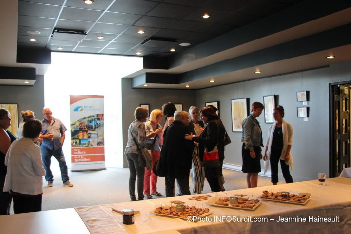 public-vernissage-louise-laforme-mrc-beauharnois-salaberry-photo-JHaineault-infosuroit