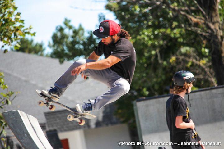 skatepark demonstration a inauguration nouveau skatepark de Chateauguay photo JH INFOSuroit