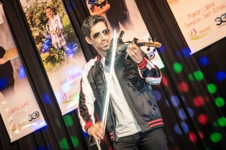 Eric_Speed violoniste au gala Hommages aux agricultrices 2019 photo via AMO