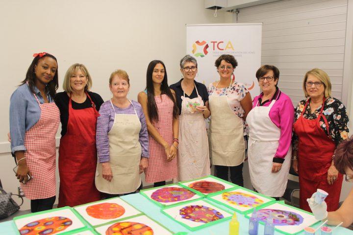 SoniaHaberstich avec participants atelier Rassemblement des aines de Vaudreuil-Soulanges photo via VD