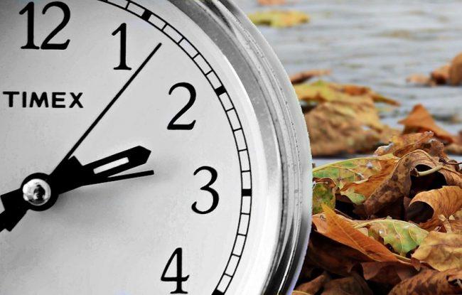 automne heure hiver heure normale montre horloge heure avancee photo Pixel2013 via Pixabay et INFOSuroit