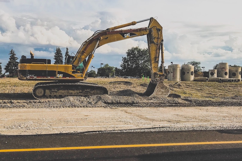 construction infrastructure excavatrice tuyau egout Photo Jamar_Penny via Unsplash et INFOSuroit