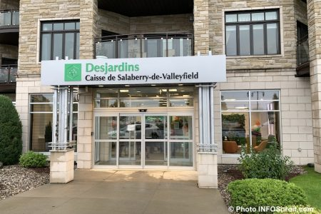 exterieur caisse Desjardins Valleyfield oct2019 photo INFOSuroit