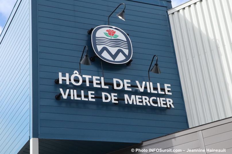 hotel de ville de Mercier photo Jeannine_Haineault INFOSuroit