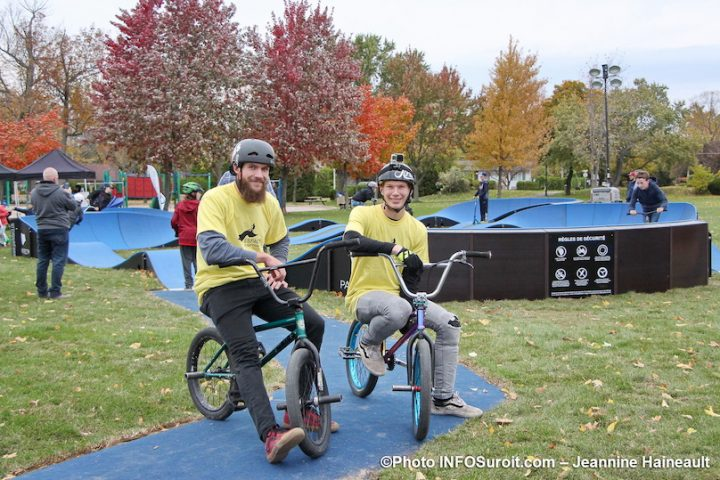 inauguration pumptrack de Mercier au parc Loiselle demonstration velo BMX photo JH INFOSuroit
