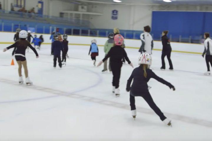 initiation au patinage programnme patinage Plus de patinage canada extrait video YouTube IJTD-4PGNF0