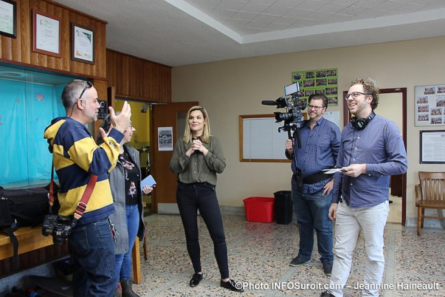 Kim_Rusk de Canal Vie avec medias a ecole St-Paul Beauharnois 6nov2019 photo JH INFOSuroit