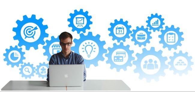 carriere embauche entrevue emploi objectif visuel Geralt via Pixabay et INFOSuroit