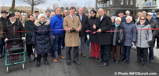 elus Ville Chateauguay et residents Vice Versa inauguration rue de Gaspe Ouest nov2019 photo INFOSuroit