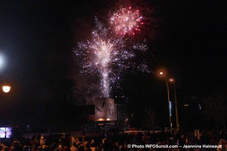 feu-artifice-Chateauguay-histoire-de-Noel-2018-photo-JH-INFOSuroit