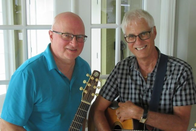guitariste Pierre_Monfils avec auteur-compositeur-interprete Gilles_Pilon photo via VD