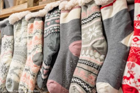 bas du temps des fetes hiver boutique cadeaux Alena_Kirby photo Facebook Alena Kirby via ExploreVS