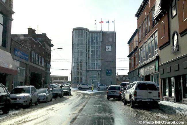 hotel de ville Salaberry-de-Valleyfield hiver centre-ville photo INFOSuroit