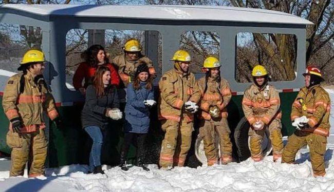 annonce Festi_Glace 2020 mairesse Ste-Martine personnel municipalite et pompiers photo courtoisie