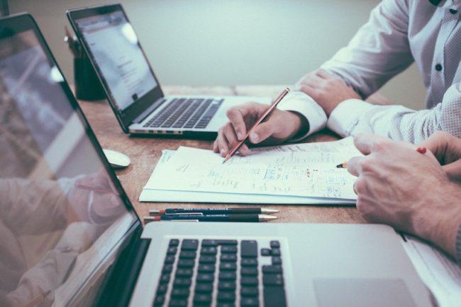 conseil entreprises finance projets Free-Photos via Pixabay et INFOSuroit