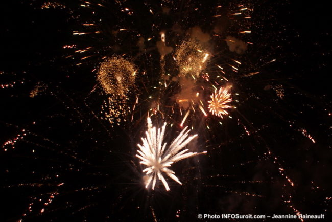 feu-artifice-Festi-Glace-Ste-Martine-2014-photo-JHaineault-INFOSuroit