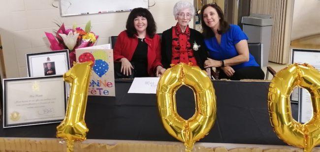 100 ans Rita_Ratelle 14fev2020 avec ses petites-filles photo via CISSSMO