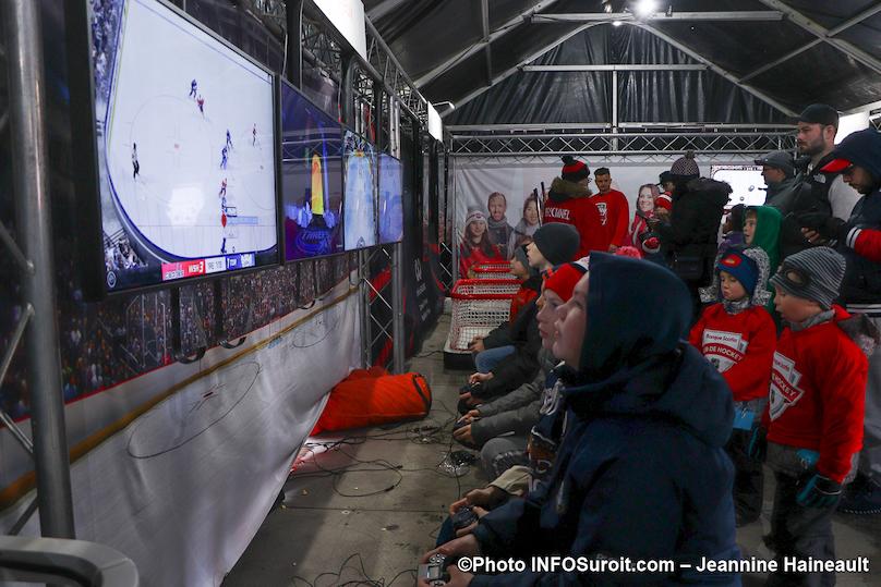 Tournee Hockey_d_ici de Rogers a Chateauguay match sur ecran geant photo JH INFOSuroit