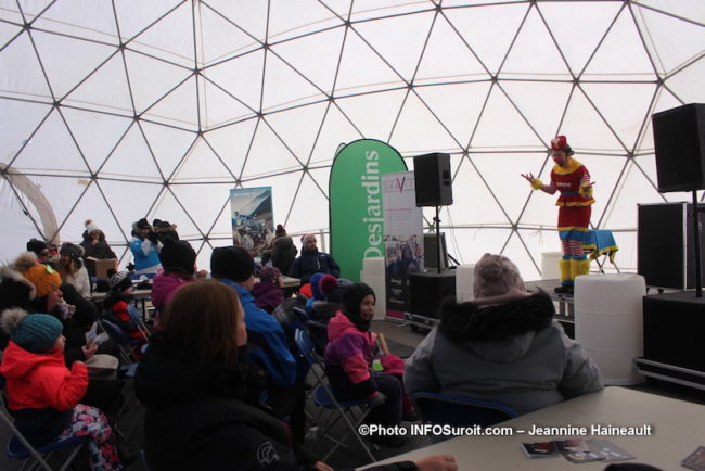 YetiFest-2019-a-Valleyfield-spectacle-d_animation-interieur-igloo-photo-JH-INFOSuroit