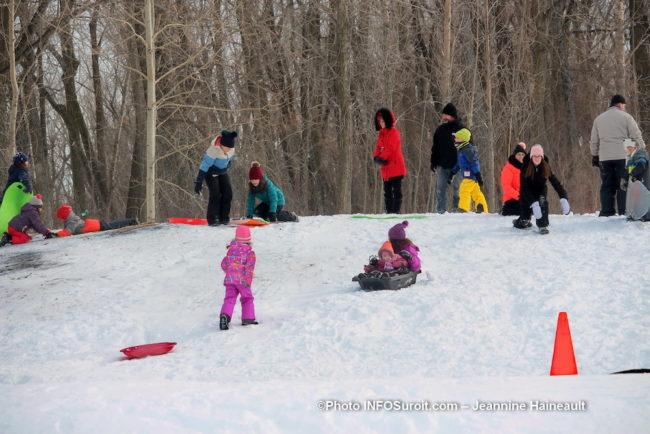 carnaval hiver St-Stanislas-de-Kostka glissade enfants familles photo JH INFOSuroit