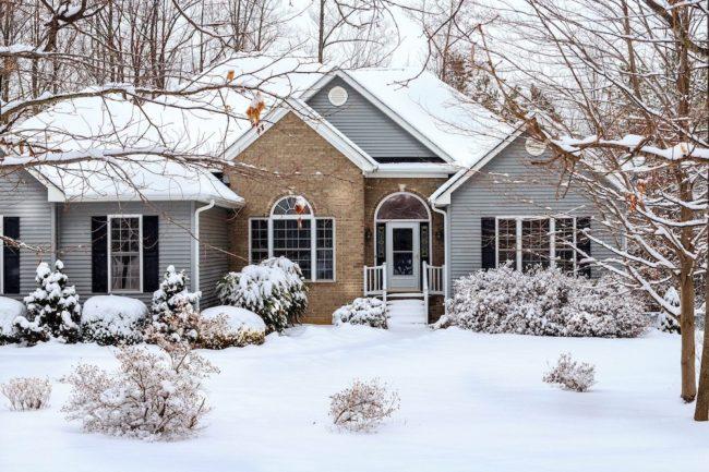 maison unifamiliale hiver meige photo JameDeMers via Pixabay et INFOSuroit