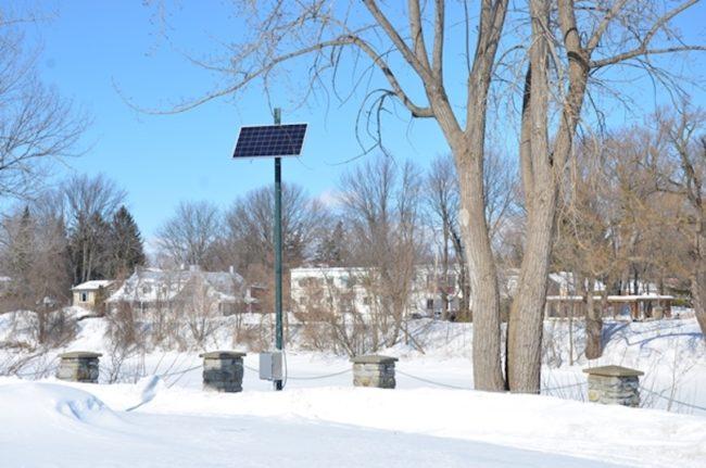 panneau solaire pour station hydrometrique a Chateauguay photo courtoisie VC