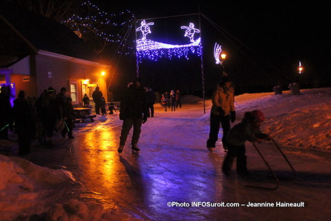 patinage-festival-hiver-Feux-et-flocons-2019-a-Vaudreuil-Dorion-photo-JH-INFOSuroit