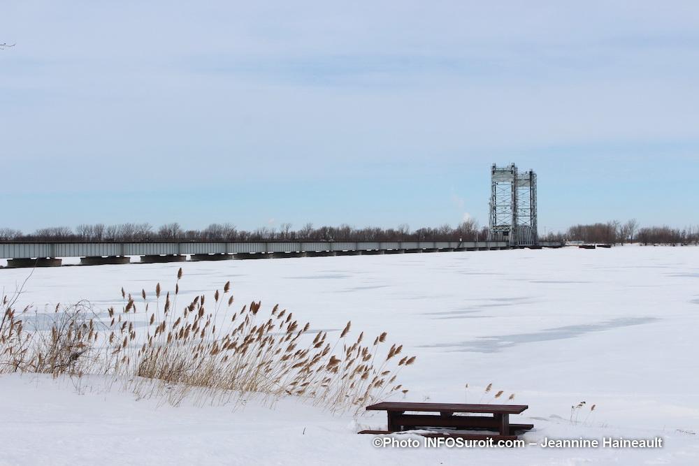 pont Larocque entre Valleyfield et Saint-Stanislas-de-Kostka photo Jeannine_Haineault hiver2019 INFOSuroit