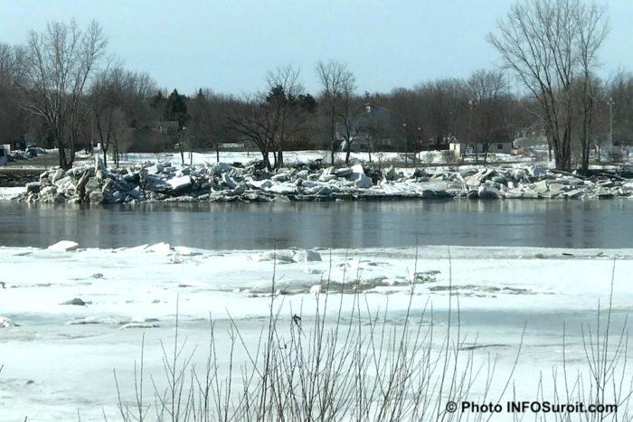 riviere Chateauguay couvert de glaces hiver photo INFOSuroit