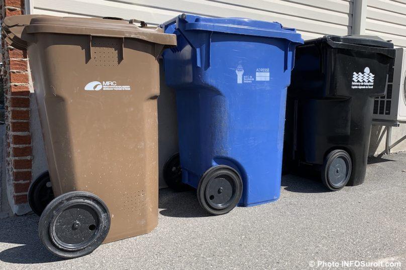 bacs brun compost bleu recuperation noir dechet mars2020 photo INFOSuroit