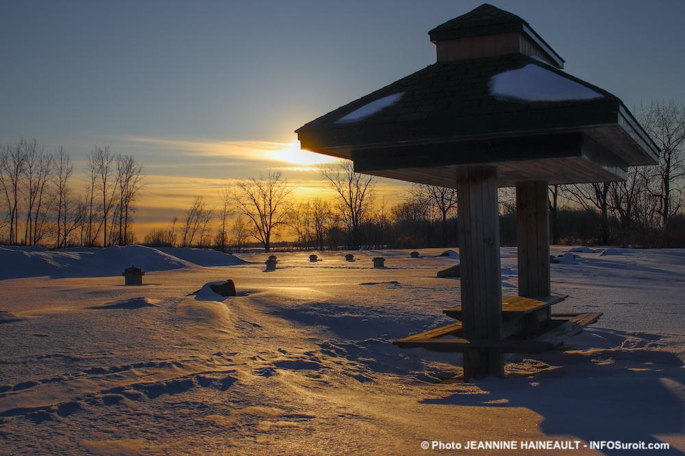 hiver coucher de soleil parc regional des iles St-Timothee fev20 photo JHaineault INFOSuroit