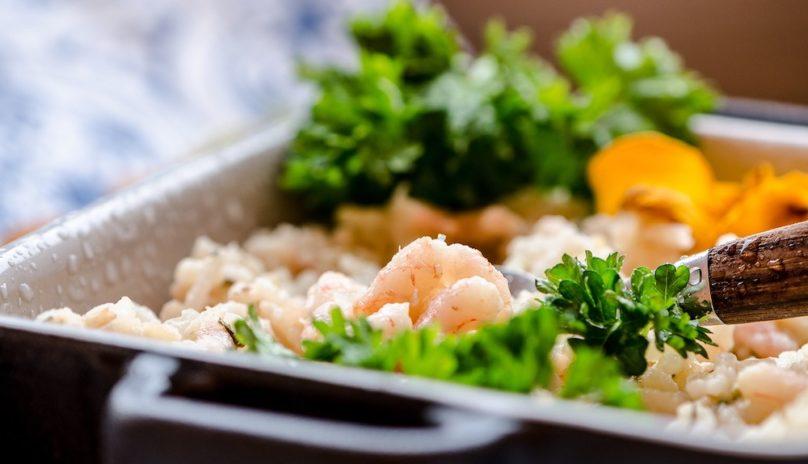 preparation repas risotto crevettes photo LeppaKerttu via Pixabay et INFOSuroit